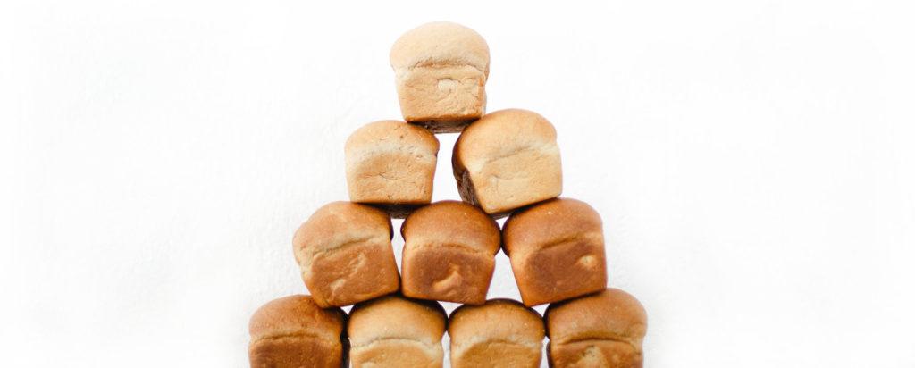 Gestapelte Brotlaibe aus dem BreadBot